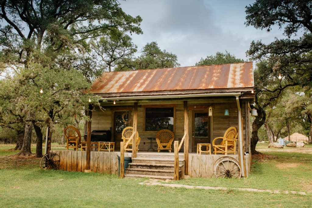 The original building on the Eagle Dance Ranch. Wayne Wright has a sculpture studio in there now. Oh yeah, there is a bar.....