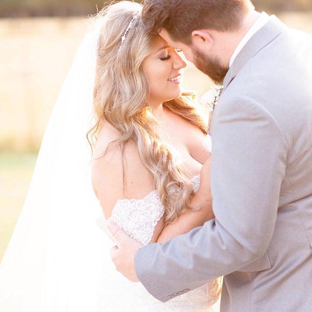 Hannah Charis Photography-San Antonio Weddings
