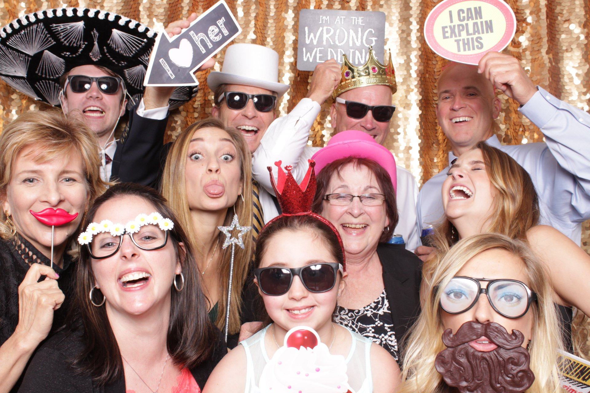 Mad Mad Photo Booths - SanAntonioWeddings.com - BridalBuzz