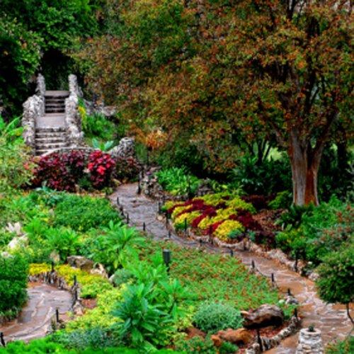 A trail leads you arond the garden at Jingu House & Japanese Tea Garden