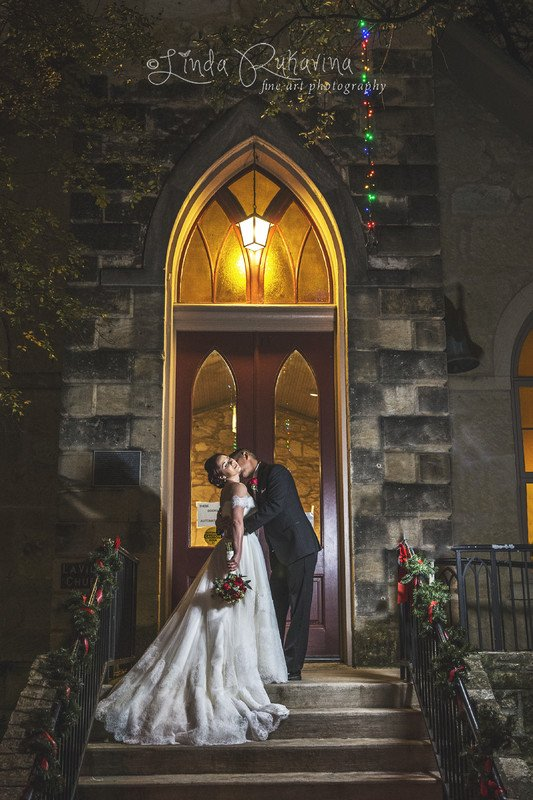 Linda Rukavina Photography-SanAntonioWeddings.com - BridalBuzz