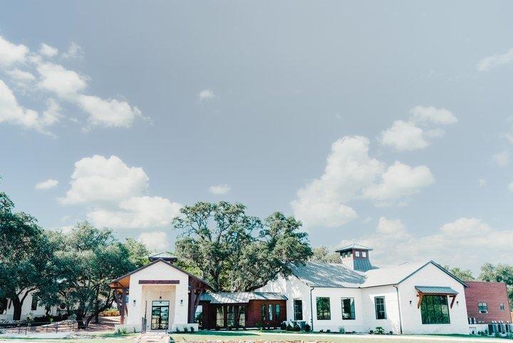 Hayes Hollow at Hidden Falls-San Antonio Weddings