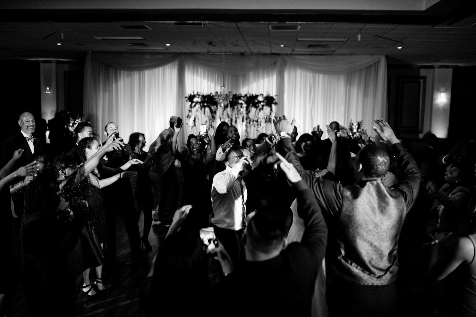 Gaines Entertainment-San Antonio Weddings