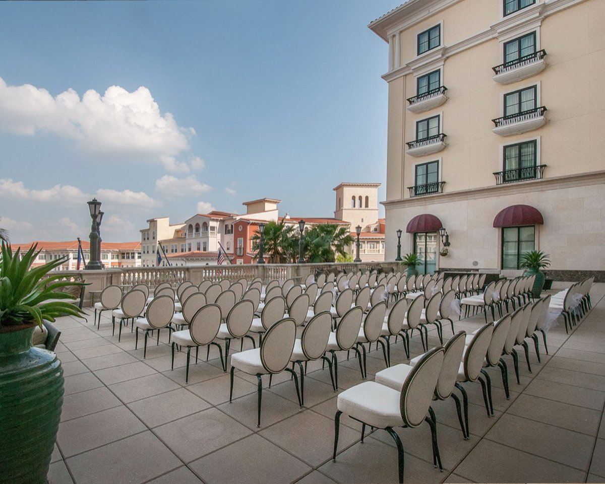 Éilan Hotel Spa - SanAntonioWeddings.com - BridalBuzz