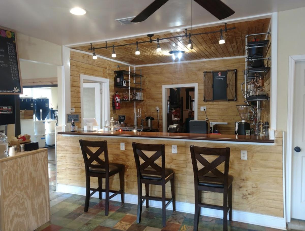 Coffeecionado interior, bar