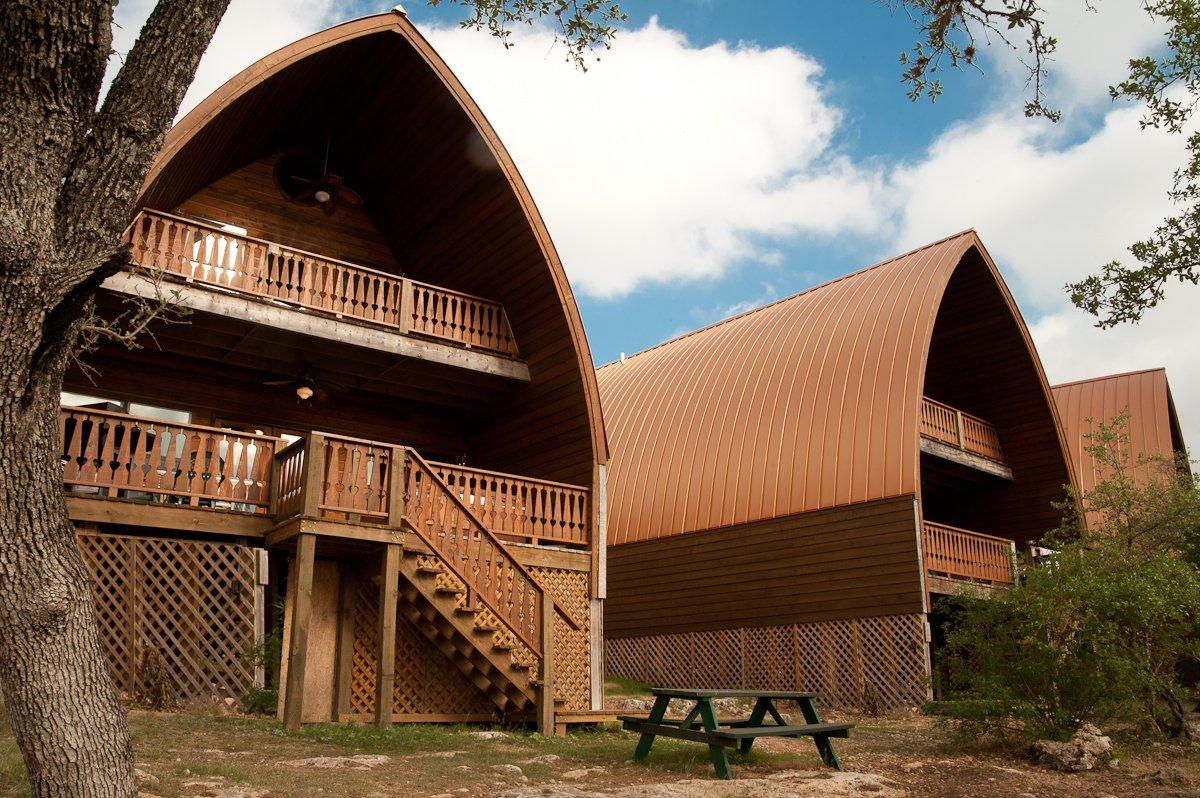 Canyon Lakeview Resort. Wonderfully designed quarters.