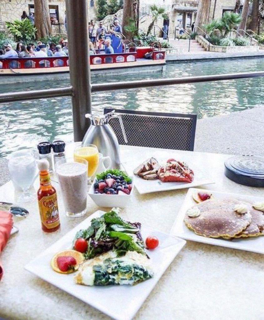 Hilton Palacio del Rio also has a great menu