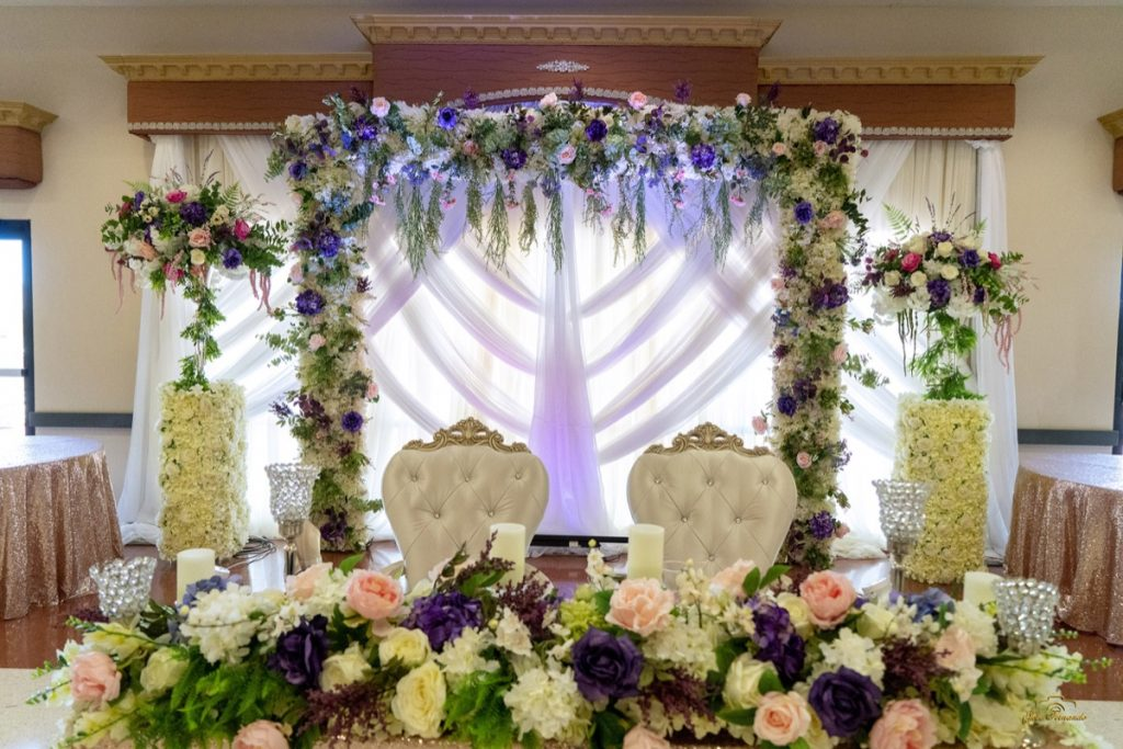 The Mr. an Mrs table looks fabulous!