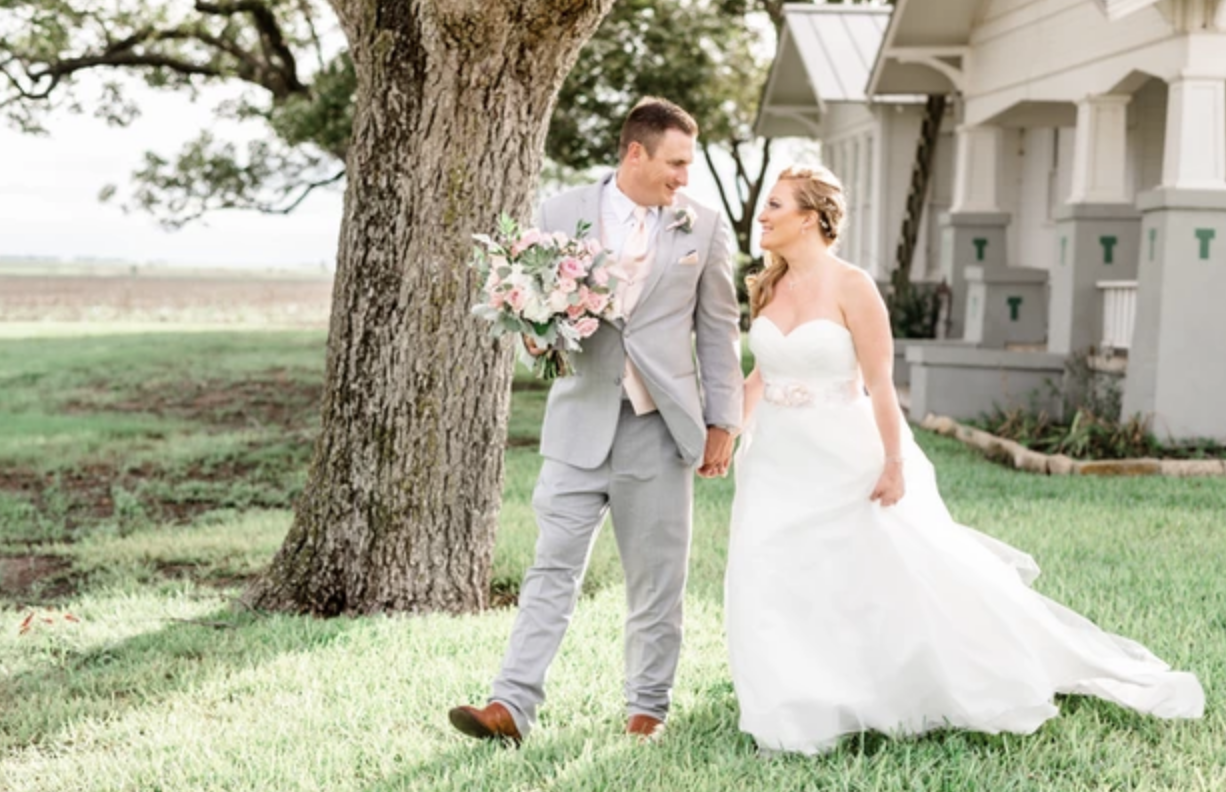 Laura Stiles Photo-BridalBuzz-San Antonio Weddings