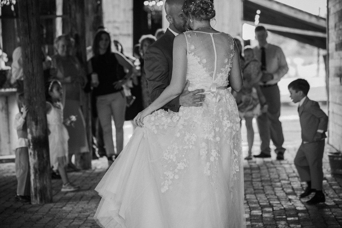 Lo Caruthers Photography - SanAntonioWeddings.com - BridalBuzz