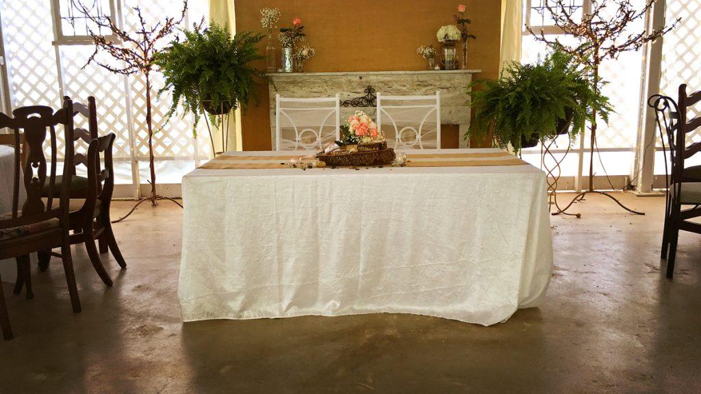 The Mr. and Mrs. table inside the Pavilion at La Escondida Celebration Center.