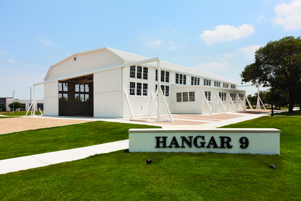A nice photo of Hanger 9 for Embassy Suites by Hilton Brooks Hotel