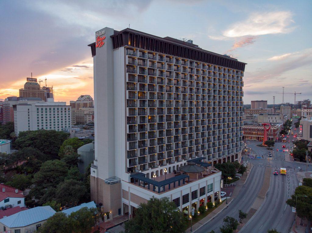 Hilton Palacio del Rio at dusk.