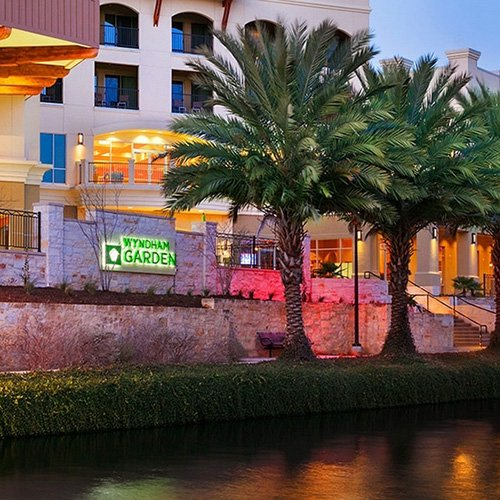 Wyndham Garden San Antonio Riverwalk/Museum Reach Hotel-BridalBuzz-San Antonio Weddings