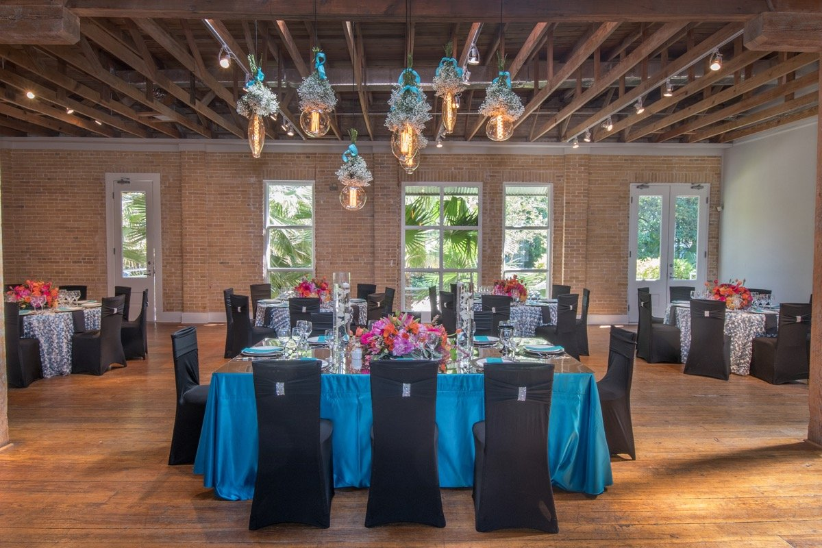 Events by Touch of Elegance shows that even a simple table centerpiece can become a wonderful experience!