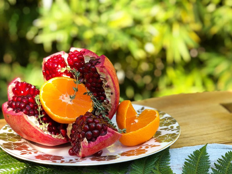 Never has fruit looked so appealing as this dish with oranges and pomegranate and more!