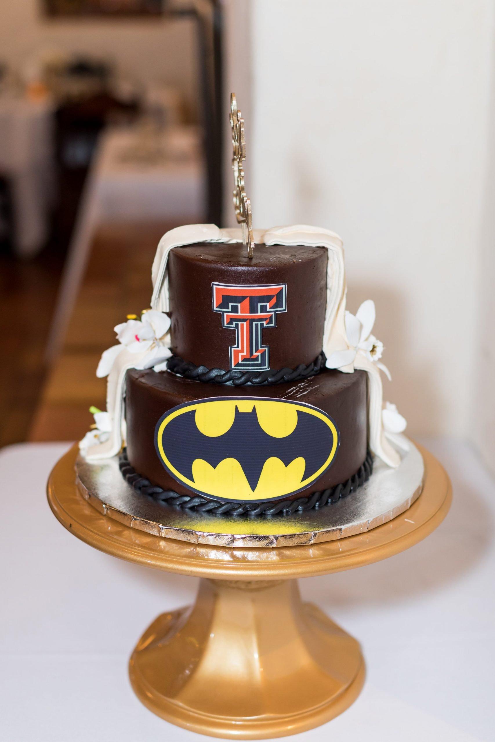 Cakes & More Bake Shop batman