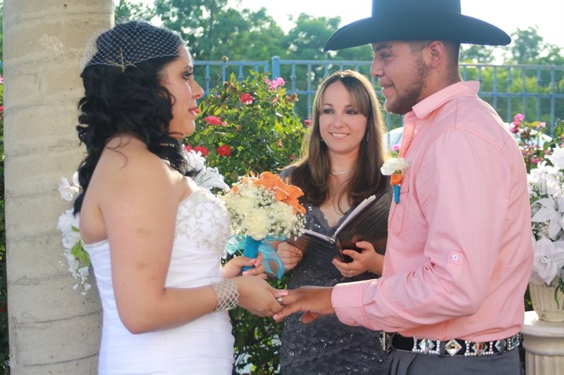 Texas Wedding Ministers - BridalBuzz - San Antonio Weddings