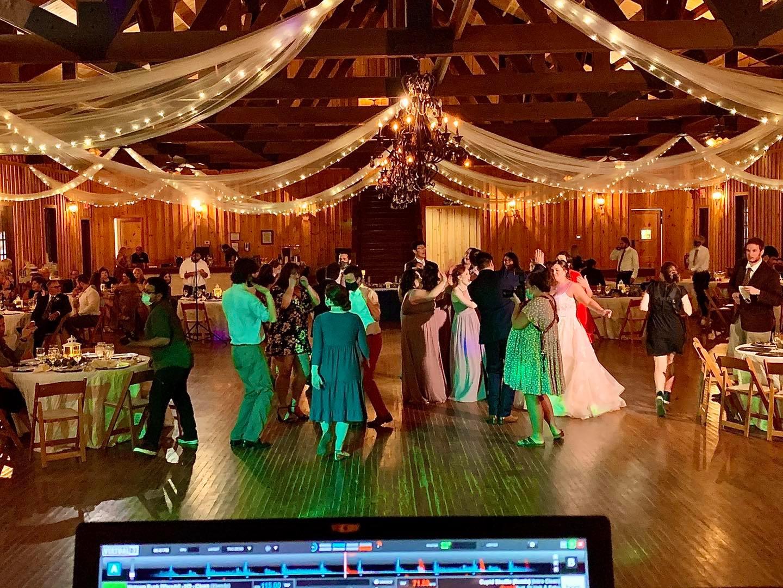 VEGA's Photobooths-BridalBuzz-San Antonio Weddings