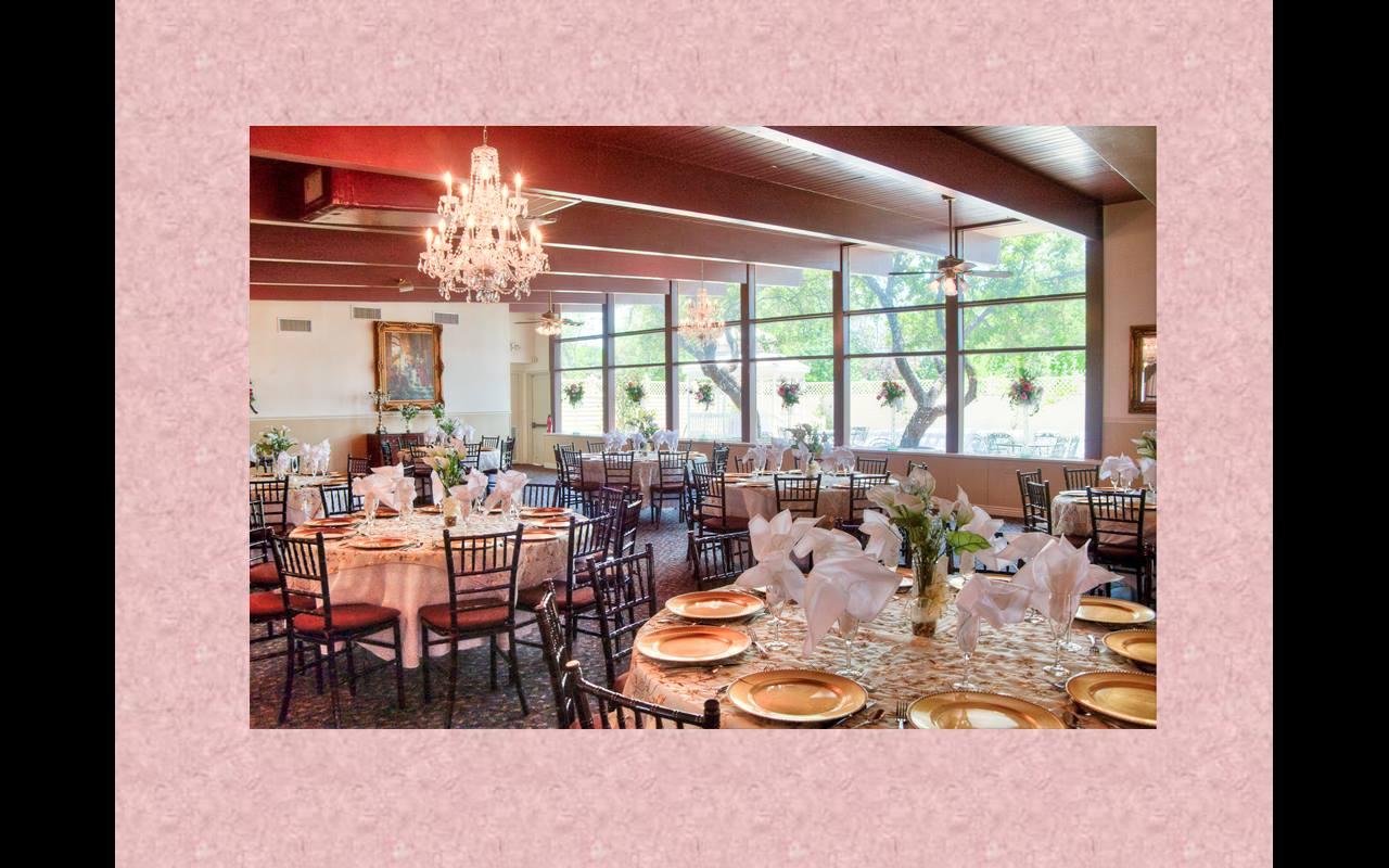 Magnolia Gardens on Main-BridalBuzz-San Antonio Weddings