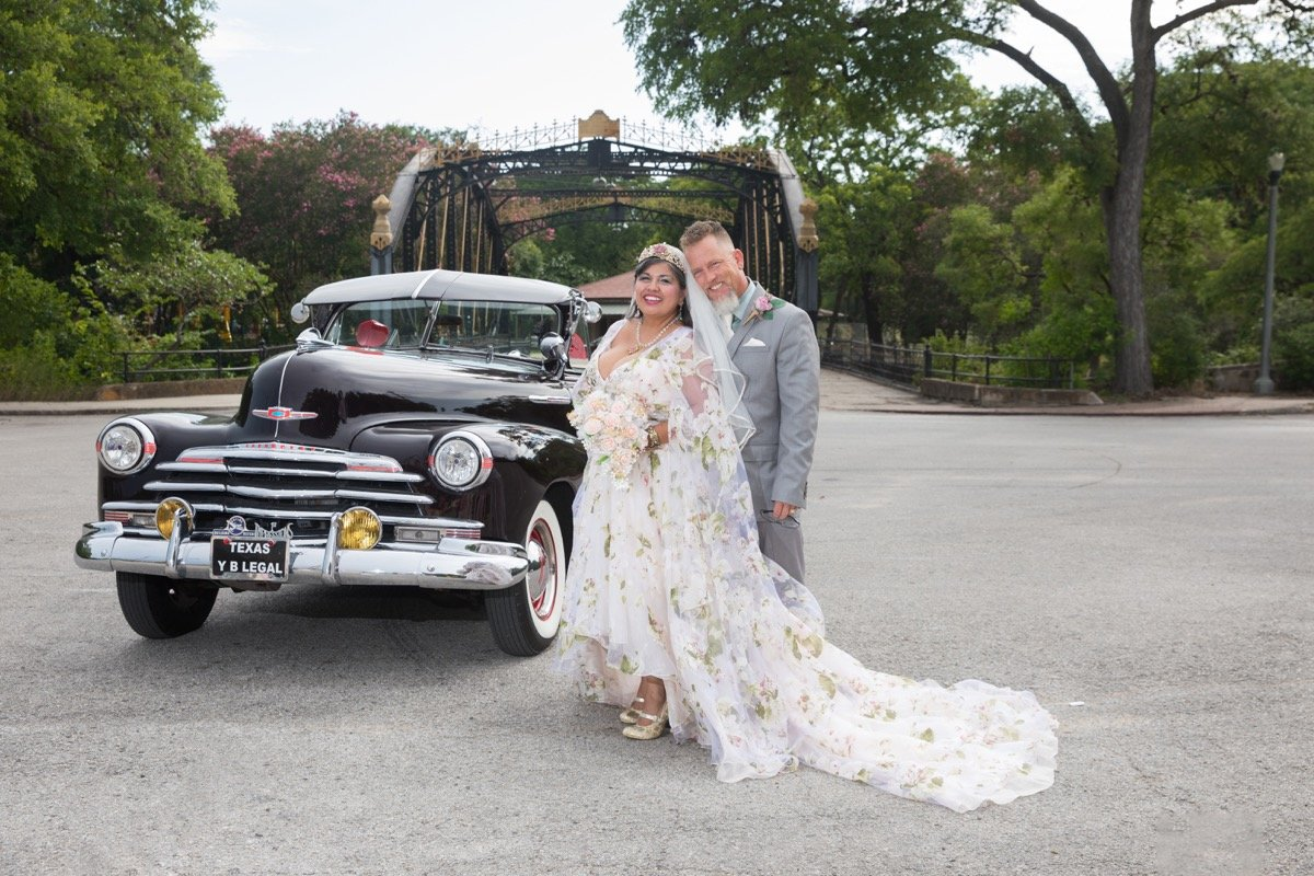 Angelita & Earle Sorensen-BridalBuzz-San Antonio Weddings