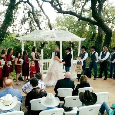 A wedding at Canyon Lake Cabins & Cottages