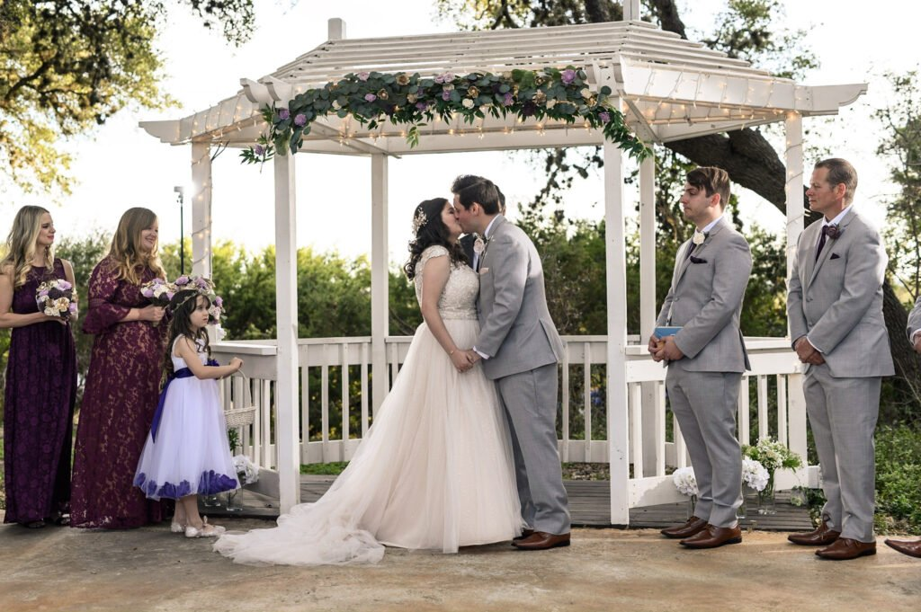 Canyon Lake Cabins Wedding Story