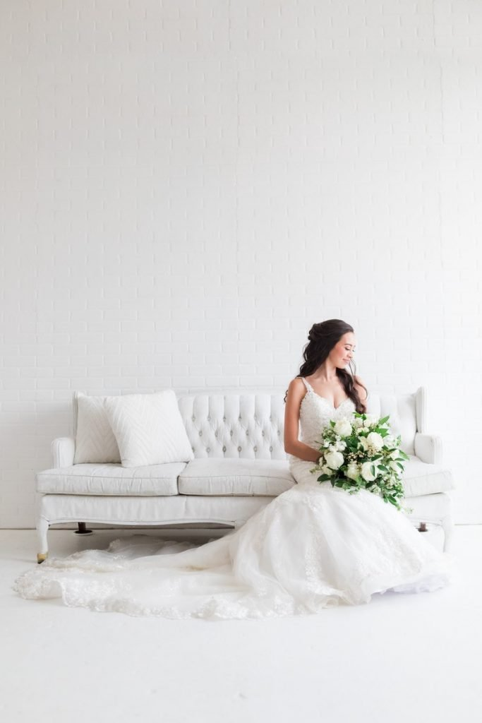 San Antonio glamorous bridal portraits by dawn Elizabeth