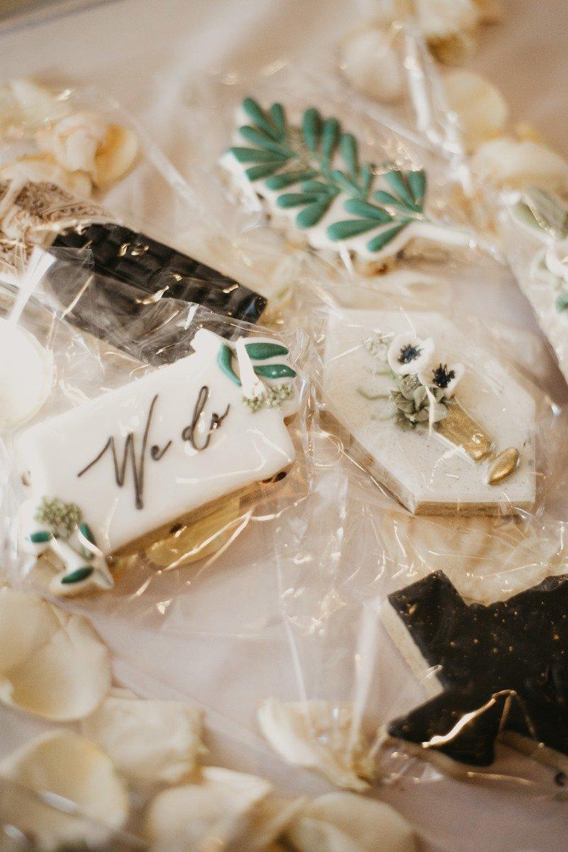 San Antonio weddings cookies saying we do