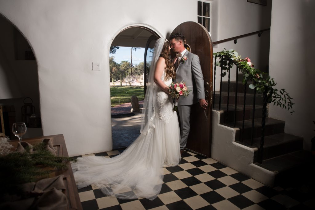 couple getting married at Tuscany venue in San Antonio weddings