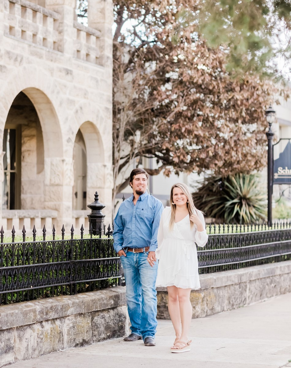 hill country couple engagement photo shoot with Mayra eads in kerrville texas