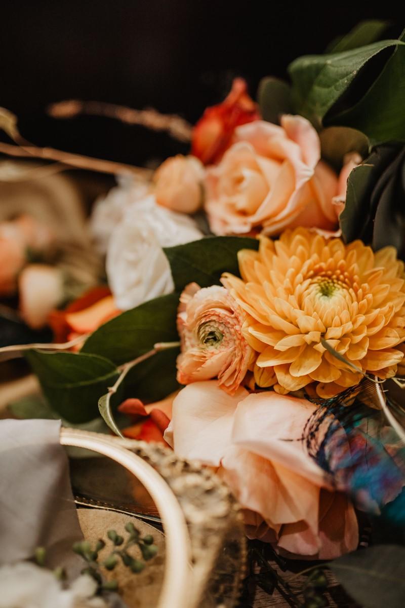 moody modern spring time wedding inspiration at sendera springs
