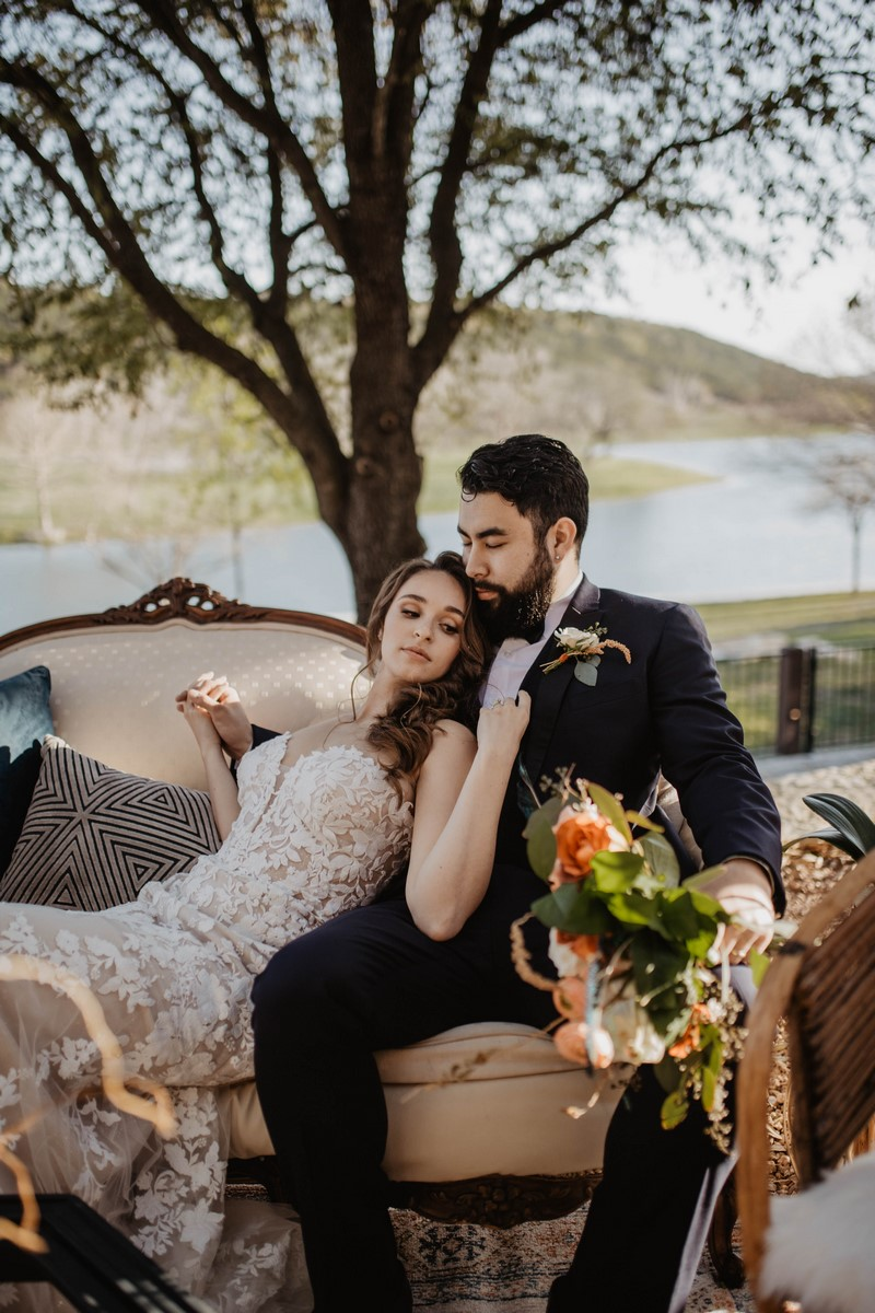 moody modern spring time wedding inspiration at sendera springs