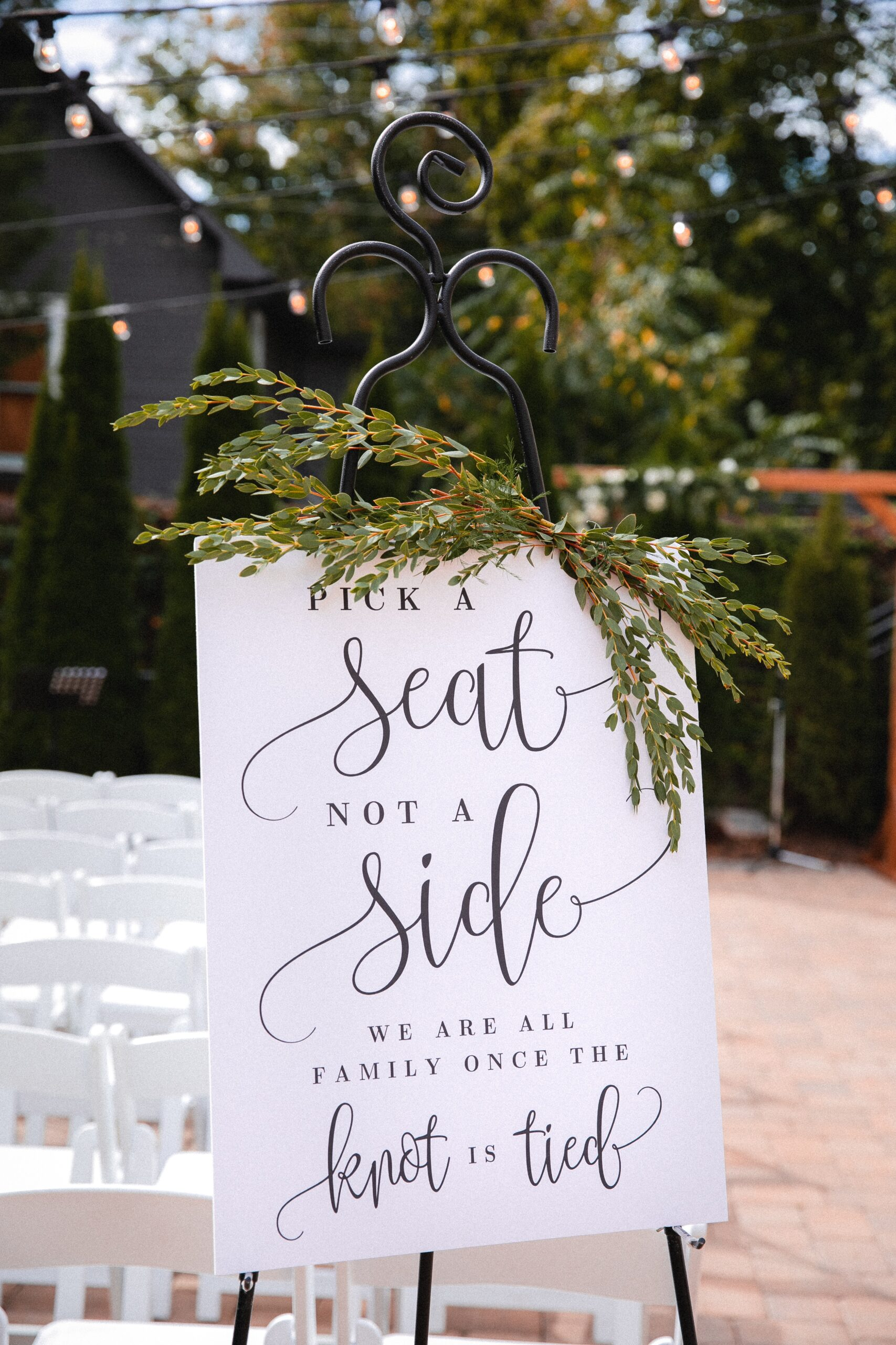 how to navigate a wedding with divorced parents involved
