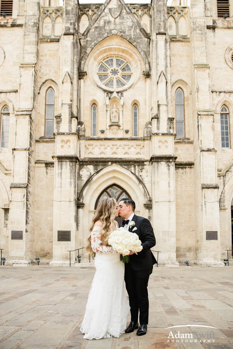 Desiree and Joshua's San Fernando Cathedral San Antonio Wedding