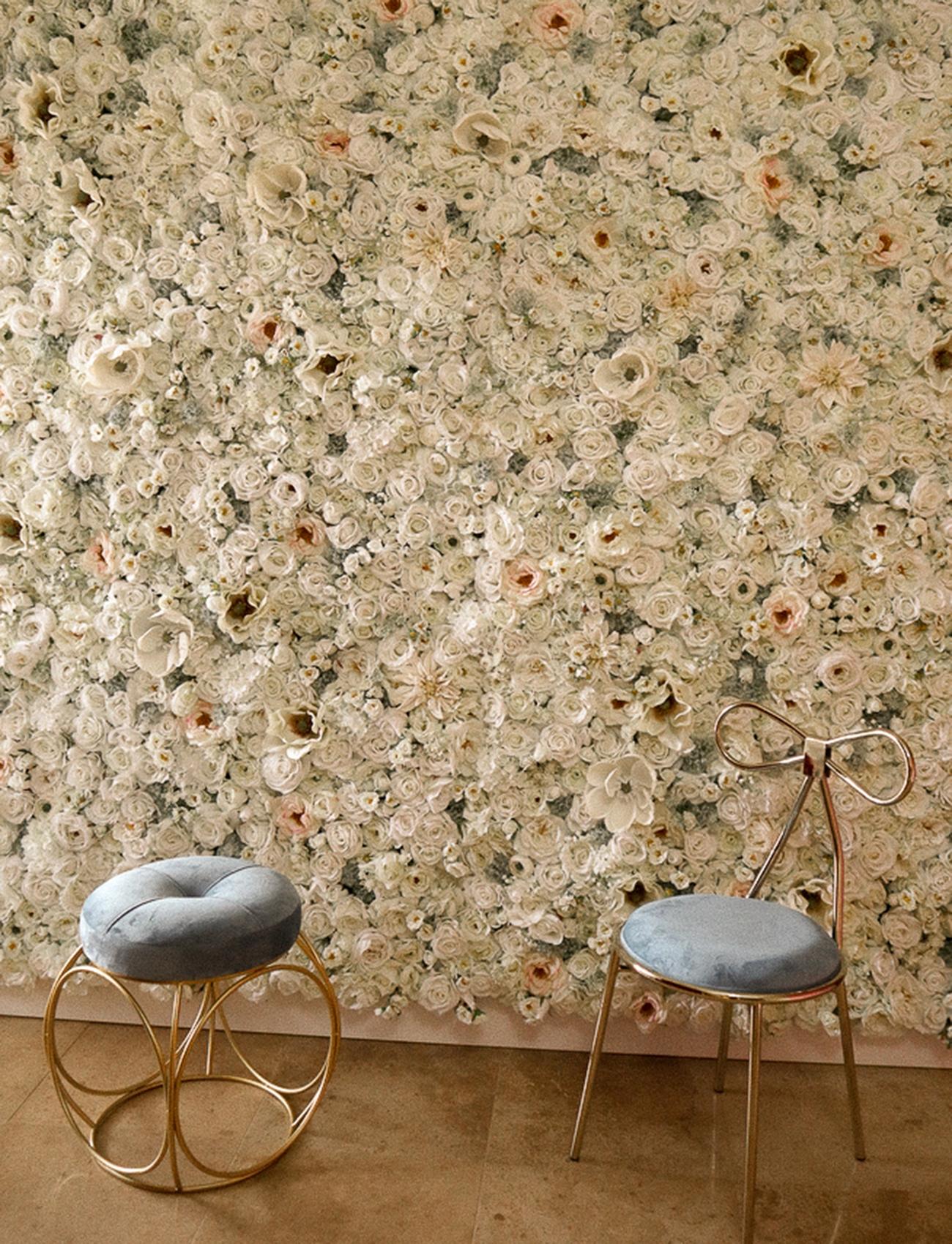 white flower wall in san antonio texas